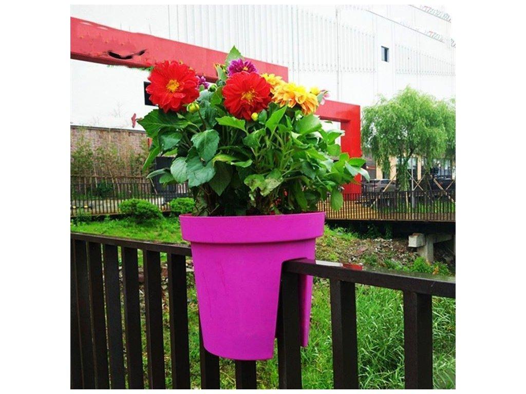 Květináč na zábradlí - fialový