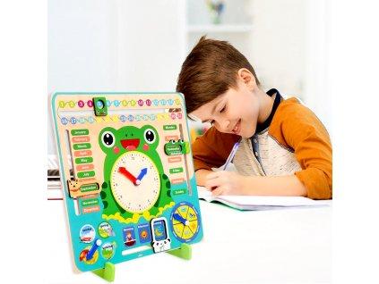 Dřevěný didaktický kalendář pro děti