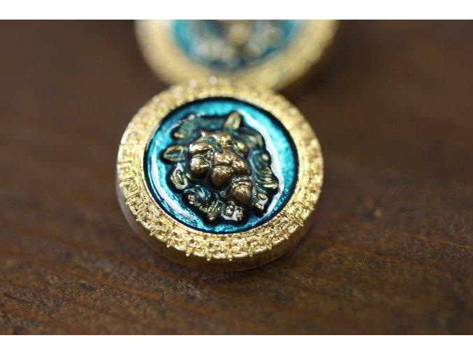 Zlatý knoflík se lvem ve stylu Versace
