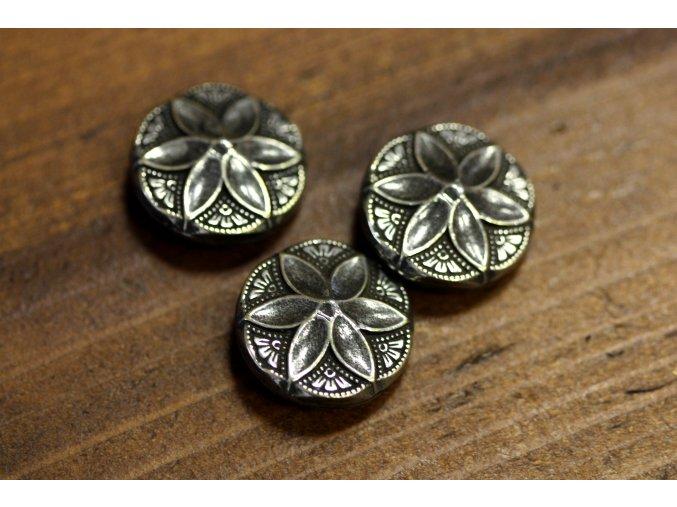 Stříbrný knoflík s motivem květu, 22mm
