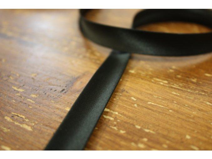 Saténový šikmý proužek, odstíny černé 14mm