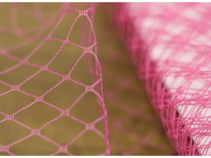 Francouzský závoj v růžové barvě