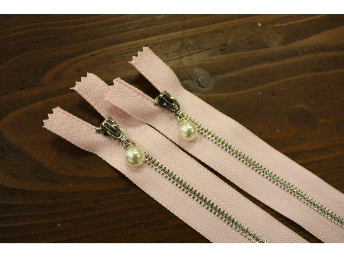 Nedělitelný růžový zip s perličkou, 20cm