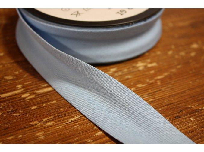Světle modrý gabardénový šikmý proužek 15 mm, 25 mm