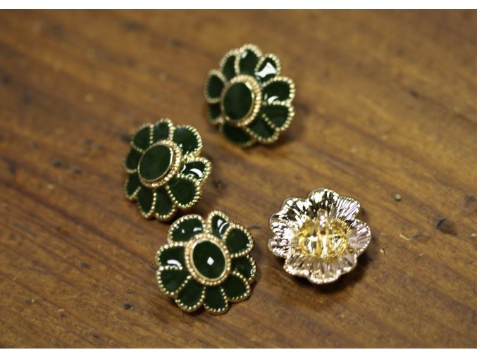 Zeleno-zlatý knoflík ve tvaru květiny stylu Chanel
