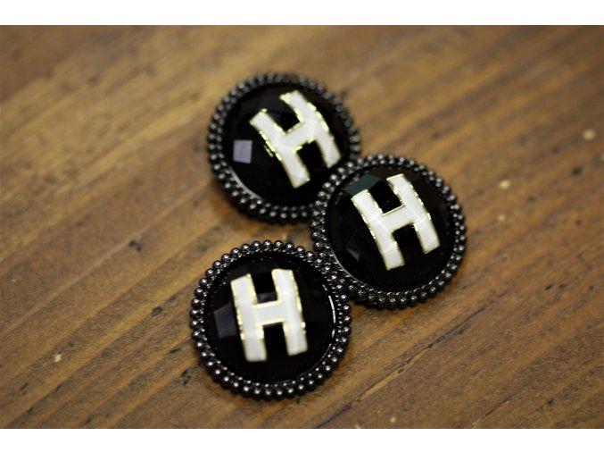 """Černý knoflík s písmenem  """"H"""", 25mm"""
