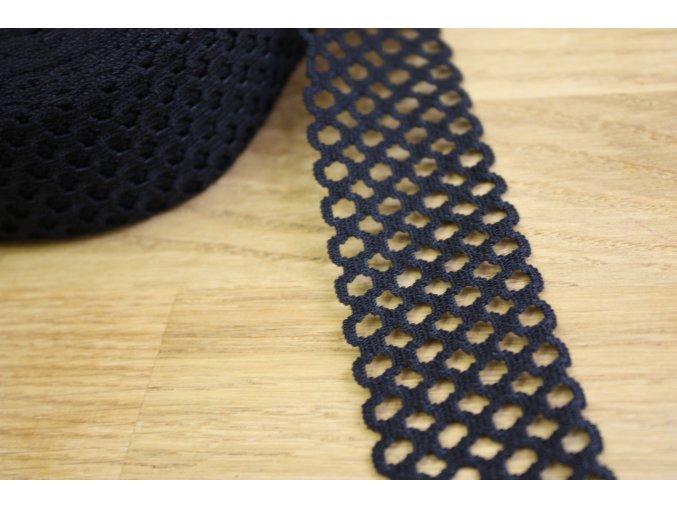 Černá děrovaná guma, 40 mm