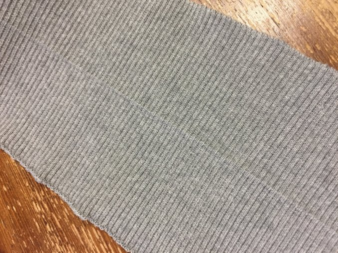 Dvojitý šedý náplet