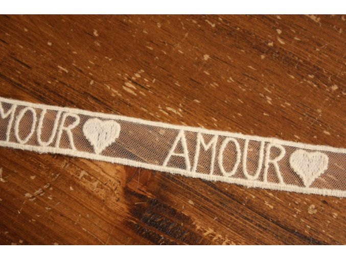 Vlněná krajka Amour
