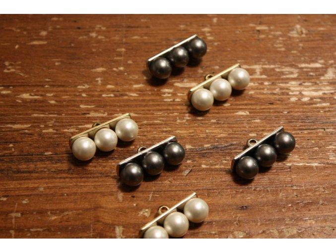 Knoflík s perly, design Celine