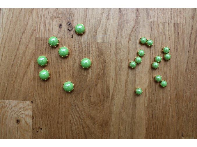 Našívací zelené plastové kamínky