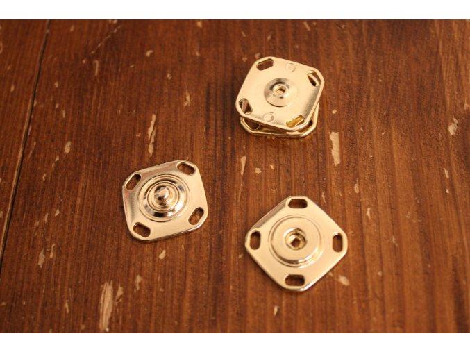 Zlaté hranaté patenty, 23mm