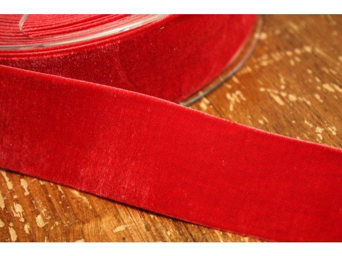 Červená sametová guma, 36 mm