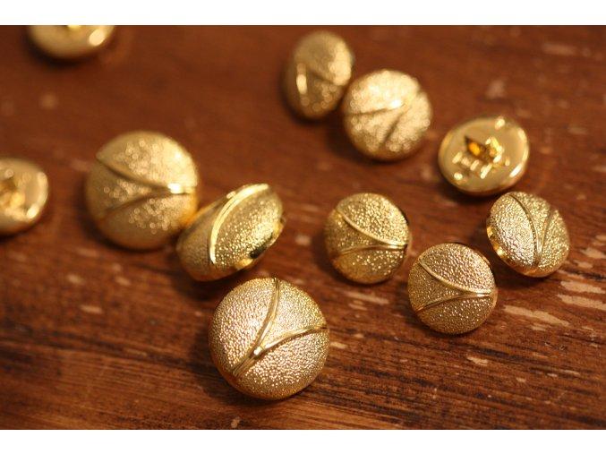 Zlatý plastový knoflík V, 15,3mm a 20,4mm