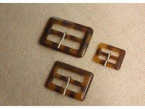 Plastové spony, design Burberry