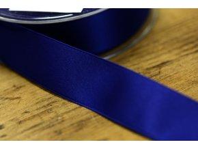 Tmavě modrá saténová stuha, 25 mm