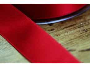 Cardinal saténová stuha,  25 mm
