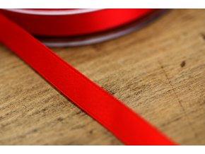 Sytě rudá saténová stuha, 10 mm