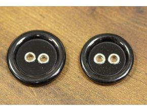 Černý knoflík s kovovými dírkami, 2 velikosti
