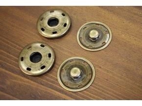 Mosazné patenty, 42 mm