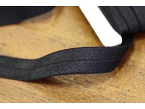 Černá lesklá jemná guma - lemovka, 20 mm