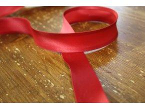 Saténový šikmý proužek, v odstínech červené 25mm