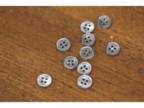 Šedý čtyřdírkový perleťový knoflík 10mm