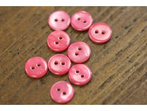 Jahodově růžový dvoudírkový perleťový knoflík, 11,4mm