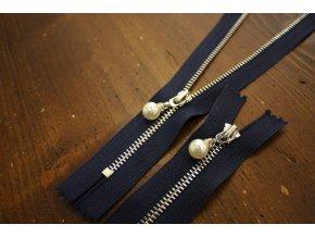 Nedělitelný modrý zip s perličkou, 20cm