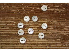 Perleťový knoflík 3 dírky