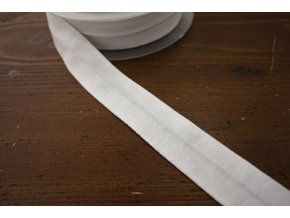 Špinavě bílý úpletový šikmý proužek