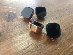Černý kabátový knoflík ve stylu Armani, 12mm, 25mm