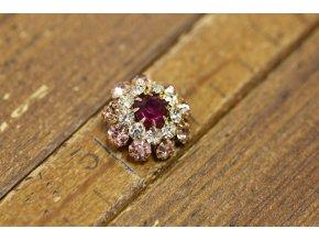 Růžový štrasový knoflík design Prada