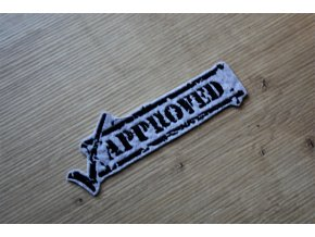 """Šedo-černá aplikace """"Approved"""""""
