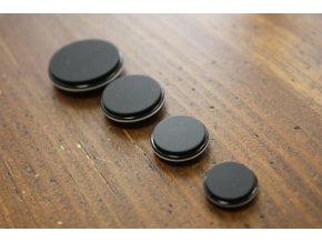 Černý knoflík s bílou linkou, 4 velikosti