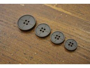 Čtyřdírkový hnědý knoflík se štepem, 4 velikosti