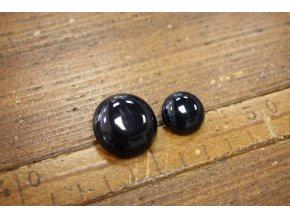 Černý kabátový knoflík s melírem, design Max Mara