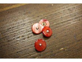 Světle červený perleťový knoflík , 15mm