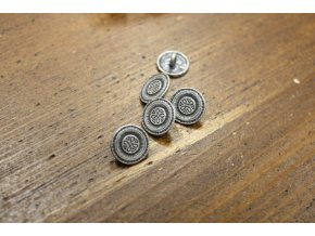 Stříbrný knoflík s ornamentem, 13,5mm