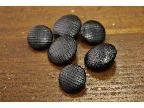Černý knoflík  imitace kůže, 20mm a 22mm