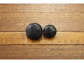 Černý kožený knoflík, 20mm a 22mm