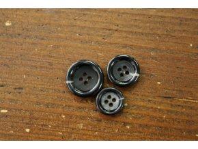 Čtyřdírkový černý knoflík s melírem, 4 velikosti