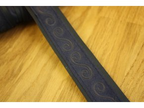 Modrá koženková stuha s ornamentem