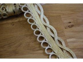 Zlatá porta ve stylu Dolce & Gabbana