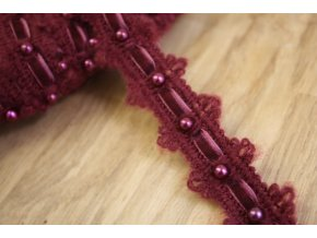 Vlněná bordura s perličkami