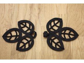 Černé textilní zapínání ve tvaru listů