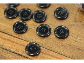 Černý čtyřdírkový knoflík, 19mm