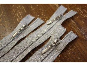 Stříbrný zip, 16 cm, 50 cm