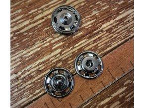Kovové patenty, 22 mm