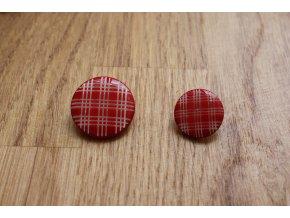 Kostkovaný červený knoflík, 17mm,  22 mm